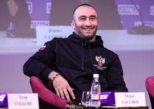 Мурат Гассиев посетил посетил футбольный матч «Алания» Владикавказ - Балтика