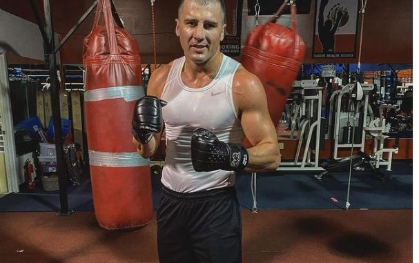 Александр Гвоздик продолжает тренировки в зале